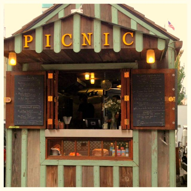 Picnic food cart in Downtown Portland
