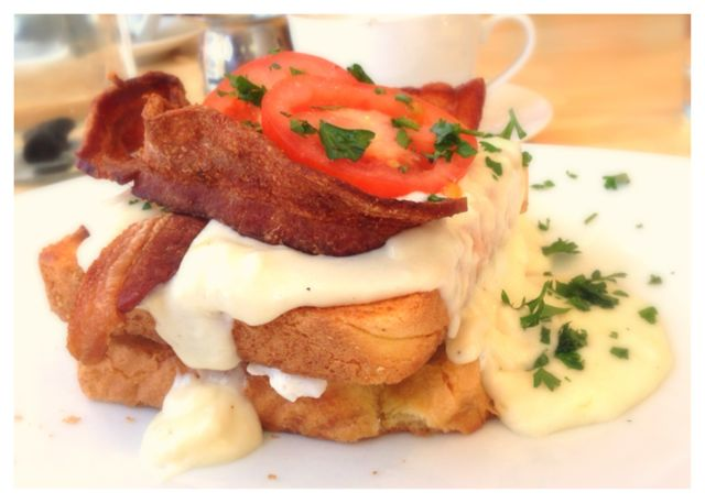 Kentucky Hot Brown with Griddled Toast