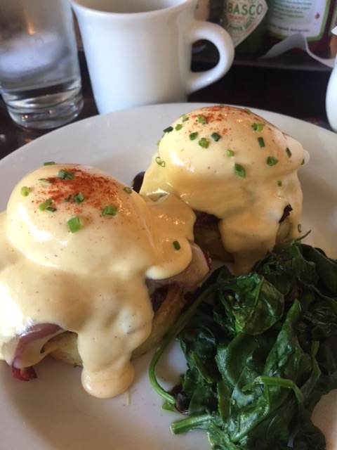 Gigi's Cafe Eggs Benedict